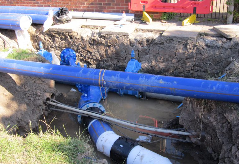 Emergency Wastewater project pic_Water_main,_Moreton,_Wirral_-_IMG_0806
